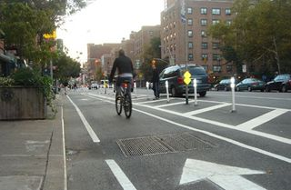 Bicycle-lane-new-york-city